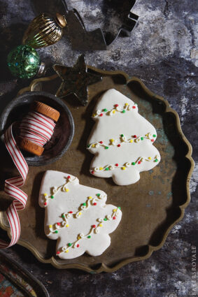 DECORATES CHRISTMAS TREE COOKIES by BAKERS ROYALE
